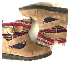 Muk Luks pull on textile ankle boots colorful